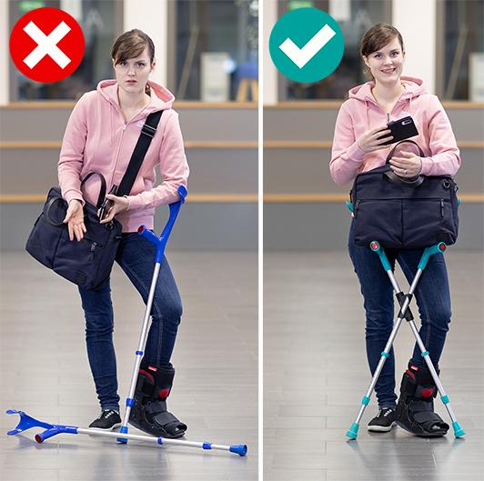 Nainen toisessa kuvassa tuskastuneena, kun kyymärsauva lojuu maassa, toisessa katselee tyytyväisenä kännykkäänsä, kun XCLIPillä varustetut sauvat ovat tukevasti pystyssä.