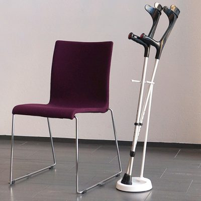 YSTAND floor rack for crutches
